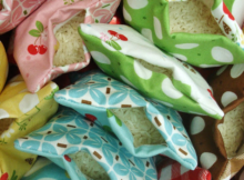 Keep your hands warm with these easy to make hot cold rice bags. Not only do they make a fantastic gift but the project is perfect for the beginner.