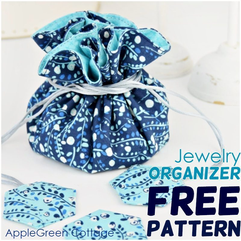 Free Sewing Pattern of a Jewelry Pouch