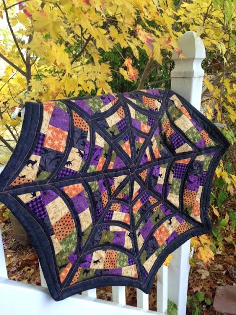 Free Spider Web Quilt Pattern for Halloween Decor